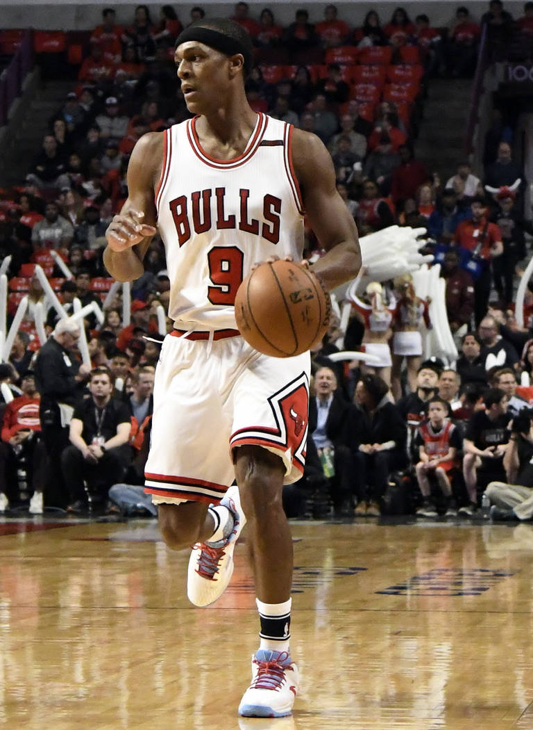Chicago Bulls guard Rajon Rondo (9) plays against the Brooklyn Nets during the first half of an NBA basketball game in Chicago, Wednesday, April 12, 2017. (AP Photo/David Banks)