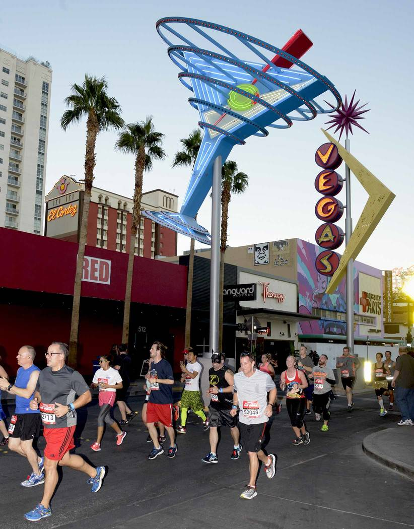 The GEICO Rock 'n' Roll Marathon hits the streets of  Las Vegas. Sunday, November 13, 2016. CREDIT: Glenn Pinkerton/Las Vegas News Bureau