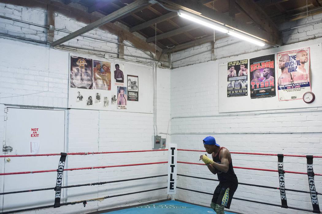 Shaun Ross Kaweesa warms up at Johnny Tocco's Ringside Gym in Las Vegas on Friday, Feb. 3, 2017. (Bridget Bennett/Las Vegas Review-Journal) @bridgetkb