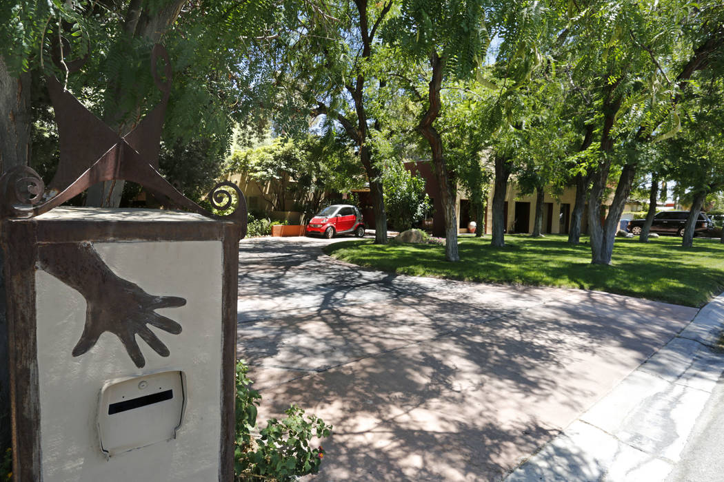 """A mailbox of  The """"House of Straus"""" in Las Vegas, Monday, June 26, 2017. (Chitose Suzuki Las Vegas Review-Journal) @chitosephoto"""