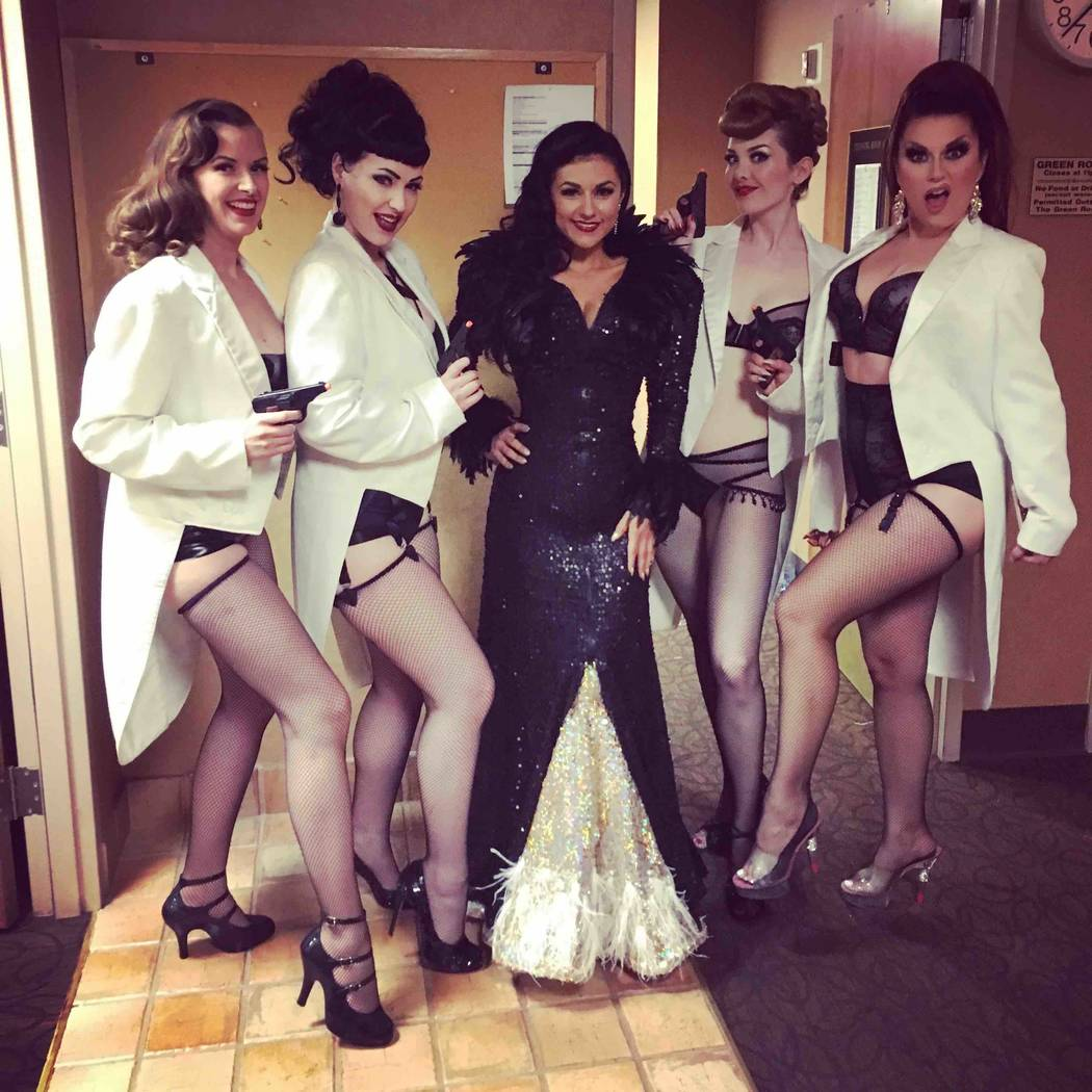 Performer Melody Sweets with dancers at the Burlesque Hall of Fame fundra(Bettina May)