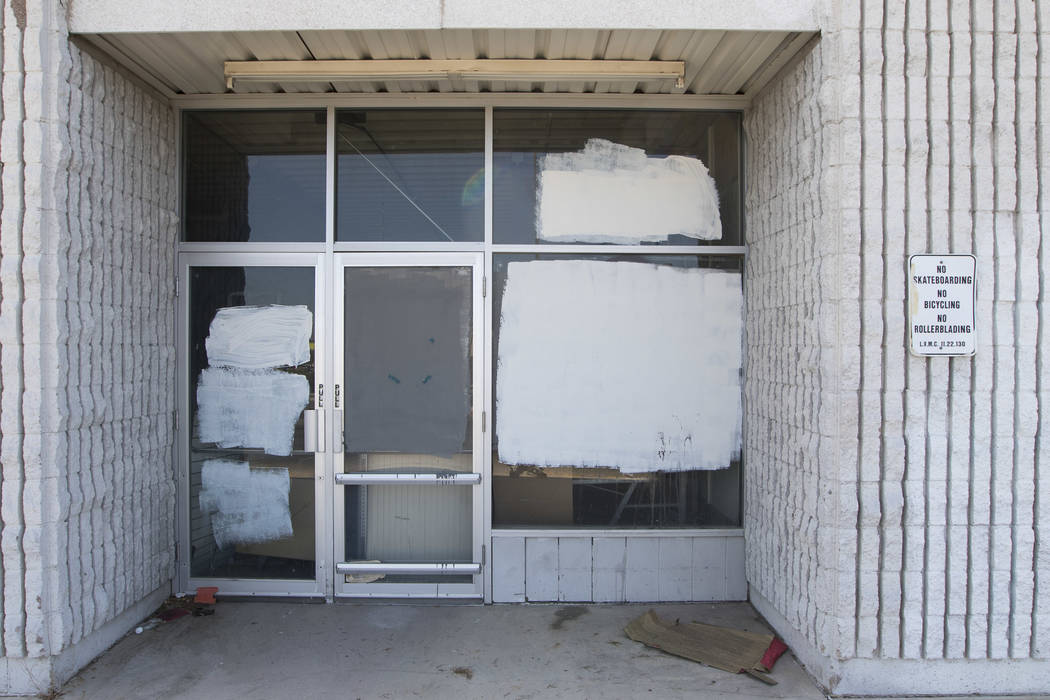 A shuttered businesses at the Rainbow Dunes Centre located at the northwest corner of Rainbow Boulevard and Spring Mountain Road in Las Vegas, Thursday, July 6, 2017.  Richard Brian Las Vegas Revi ...