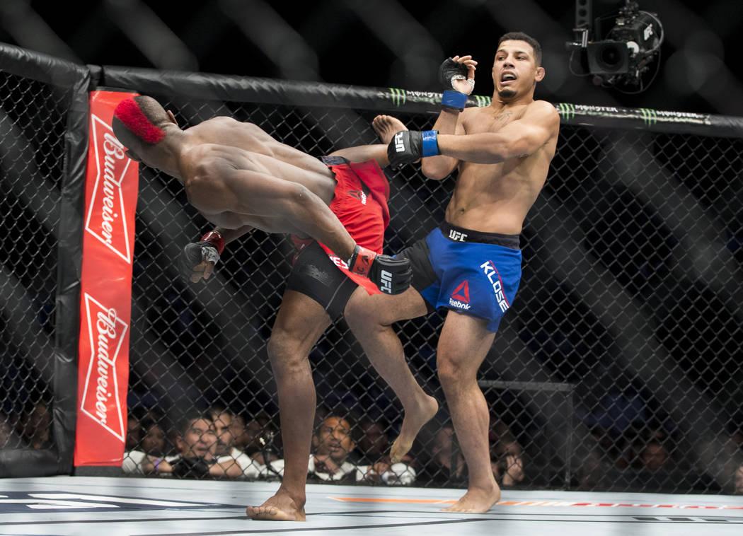 Marc Diakiese, left, battles Drakkar Klose in The Ultimate Fighter 25 lightweight bout at T-Mobile Arena in Las Vegas, Friday, July 7, 2017. Klose won by split decision. Erik Verduzco Las Vegas Re ...