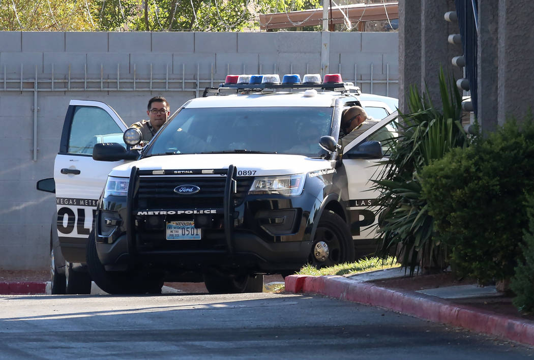Metro police are working at the scene of a stabbing and barricade situation at an apartment complex on Boulder Highway near Nellis Boulevard in Las Vegas on Wednesday, July 5, 2017. (Bizuayehu Tes ...