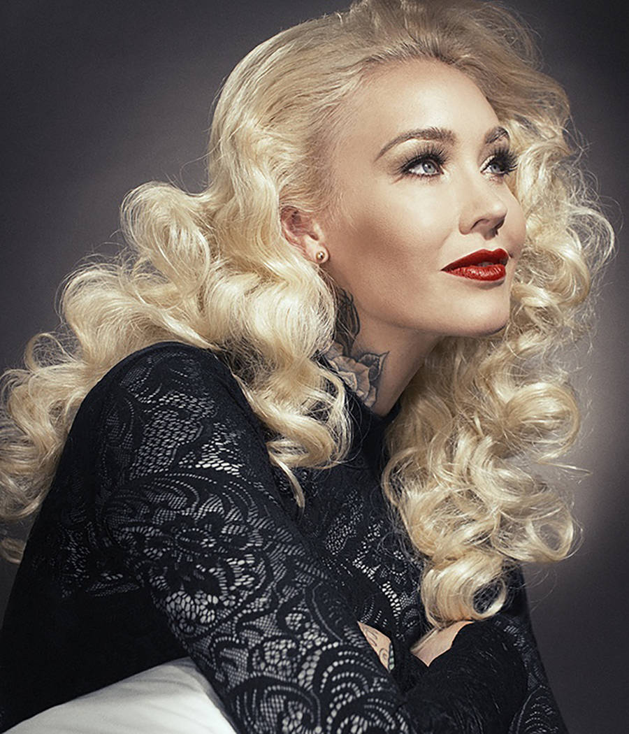 Former showgirl Sabina Kelley talks about move from Vegas ...  Former showgirl...