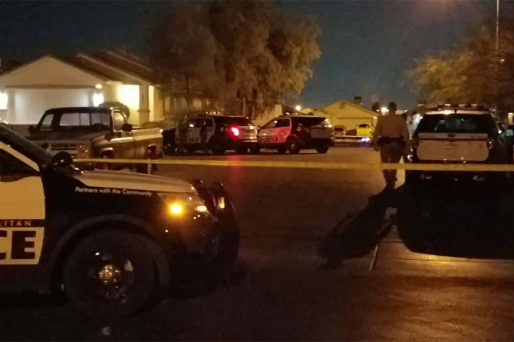 Las Vegas police investigate a shooting that left a 12-year-old boy injured late Wednesday. (Mike Shoro/Las Vegas Review-Journal)