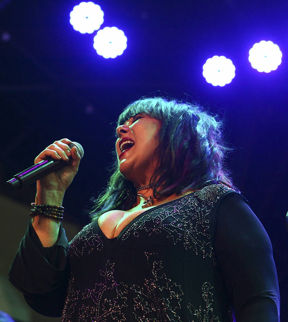 ann wilson of heart gives fourth of july concert las vegas review journal. Black Bedroom Furniture Sets. Home Design Ideas