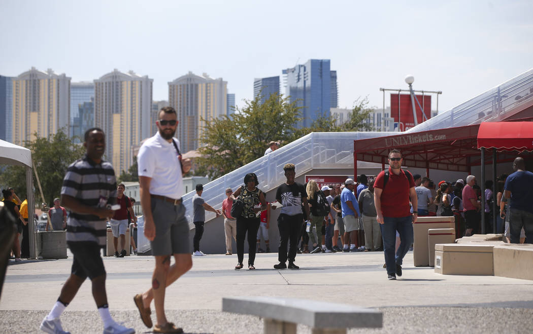 People arrive for the first day of the NBA Summer League at the Thomas & Mack Center in Las Vegas on Friday, July 7, 2017. Chase Stevens Las Vegas Review-Journal @csstevensphoto