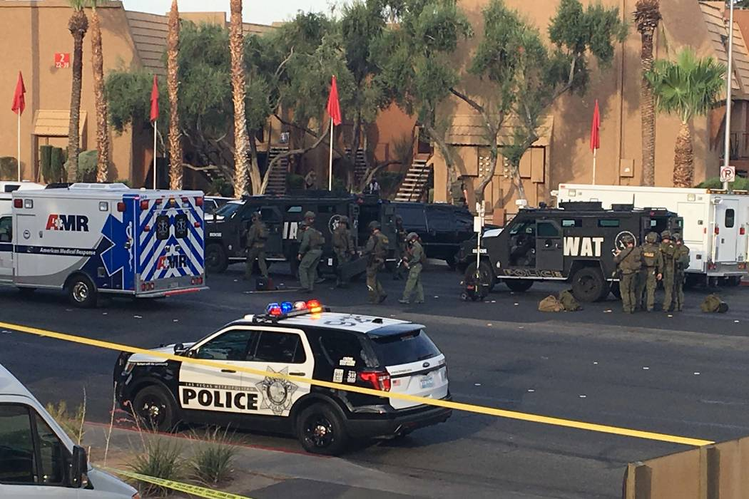Las Vegas police are at the scene of a barricade situation at an apartment complex at 2851 S. Decatur Blvd., just south of Sahara Avenue, Monday, July 10, 2017. (Bizuayehu Tesfaye/Las Vegas Review ...