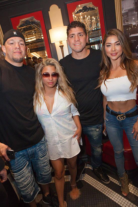 Nate Diaz, Ally Brooke, Nick Diaz and Arianny Celeste. (Carlos Lari)