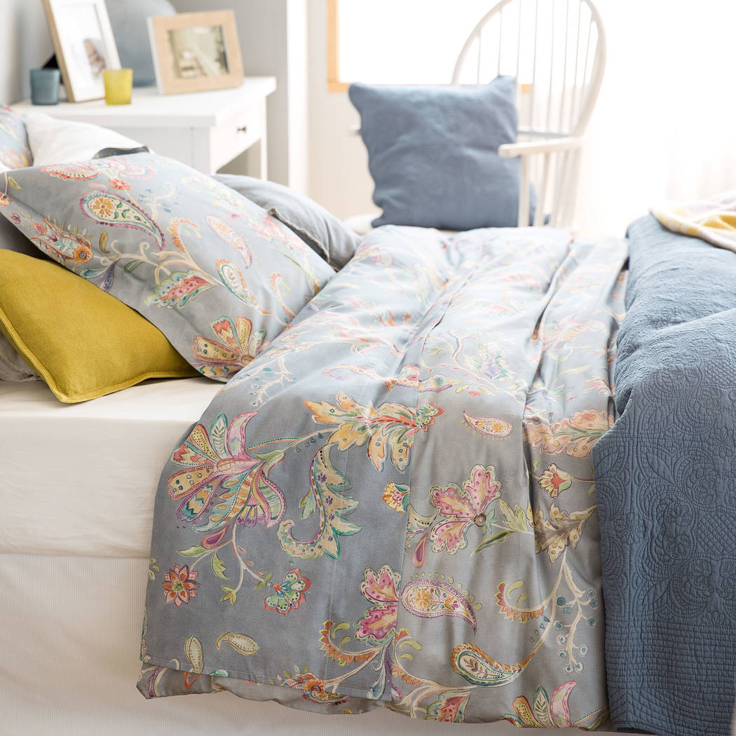 rejuvenate your home with decorative florals las vegas review journal. Black Bedroom Furniture Sets. Home Design Ideas