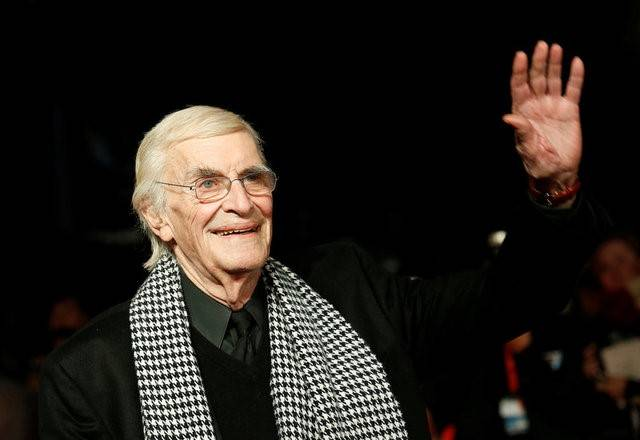 "FILE PHOTO -  Actor Martin Landau arrives for the European premiere of the film ""Frankenweenie"" at the Odeon Leicester Square in central London October 10, 2012. REUTERS/Suzanne  ..."