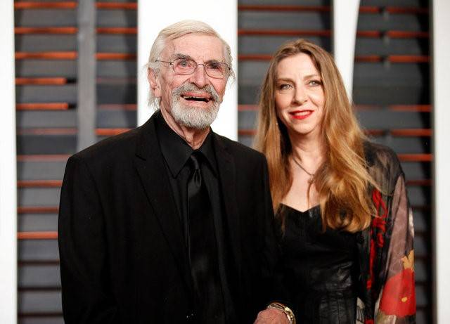 FILE PHOTO -  Actor Martin Landau and daughter, Susan Landau Finch, arrive at the 2015 Vanity Fair Oscar Party in Beverly Hills, California February 22, 2015. REUTERS/Danny Moloshok/File Photo