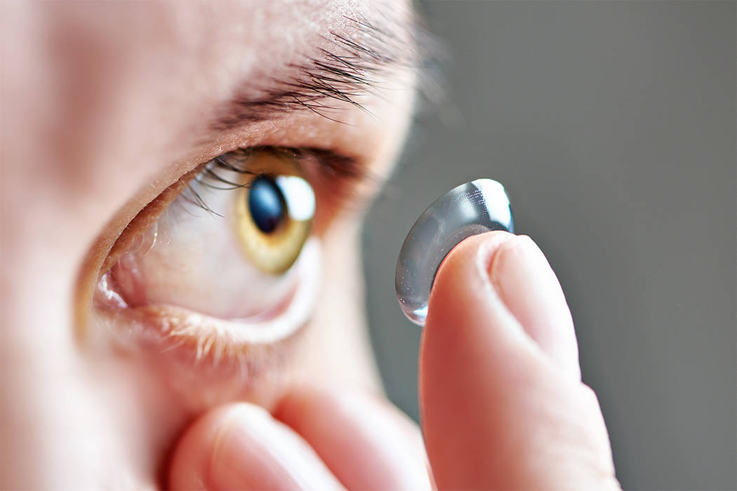 Doctors find 27 contact lenses lodged in woman's eye – Las ...