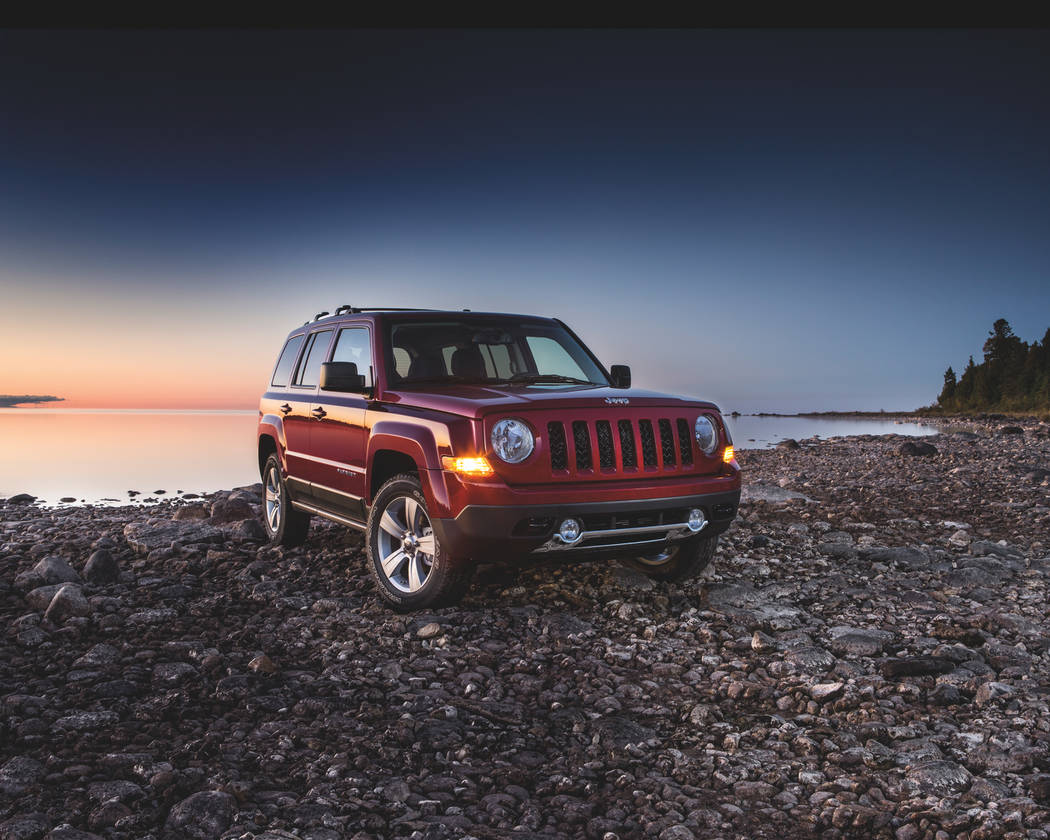 jeep patriot tackles off road excursions with ease las vegas review journal. Black Bedroom Furniture Sets. Home Design Ideas