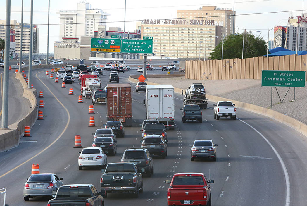 Heavy traffic is seen along U.S. Highway 95 South at the Spaghetti Bowl in Las Vegas on Tuesday, March 21, 2017. (Bizuayehu Tesfaye/Las Vegas Review-Journal)