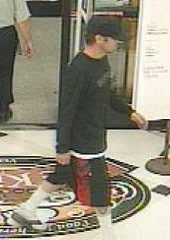 Robbery suspect of Vons store at 8540 W. Desert Inn Road, Las Vegas (Las Vegas Metropolitan Police Department)