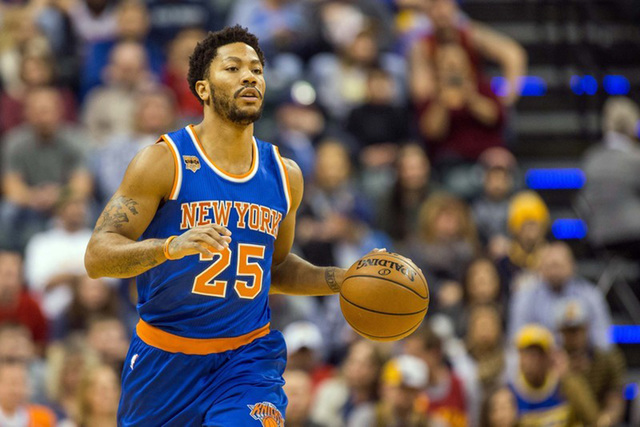 New York Knicks guard Derrick Rose (25) dribbles the ball in the first half of the game against the Indiana Pacers at Bankers Life Fieldhouse in Indianapolis, IN. on Jan. 7, 2017. The Indiana Pace ...
