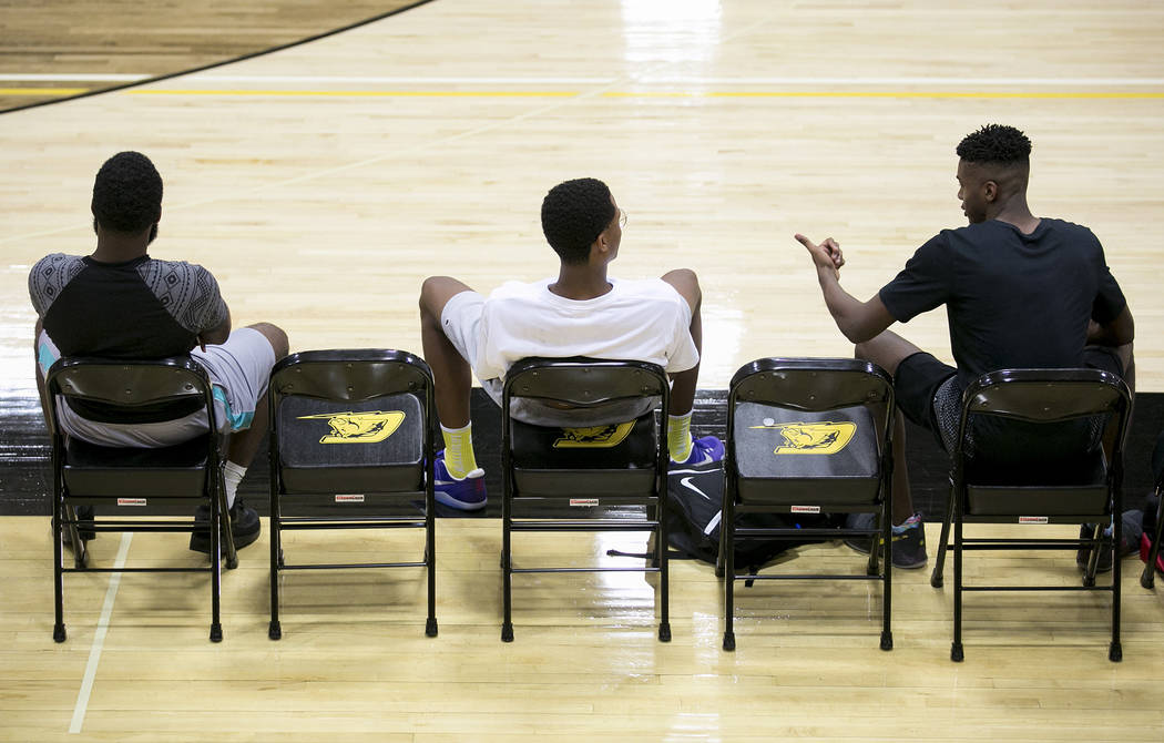 Cal Supreme player Shareef O'Neal, center, son of Shaquille O'Neal, practices at Ed W. Clark High School in Las Vegas on Wednesday, July 26, 2017.  Bridget Bennett Las Vegas Review-Journal @bridge ...