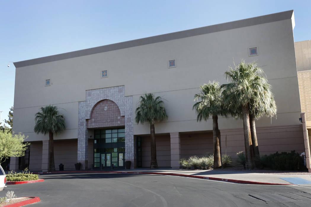 The vacant Macy's building at Boulevard Mall at 3634 S. Maryland Parkway in Las Vegas on June 28. (Bizuayehu Tesfaye/RJRealEstate.Vegas)
