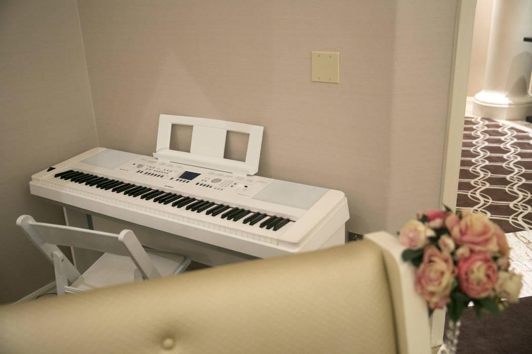 A piano sits behind pews in the Garden Wedding Chapel at The Flamingo Hotel & Casino in Las Vegas, Thursday, Aug. 3, 2017.  Gabriella Angotti-Jones Las Vegas Review-Journal @gabriellaangojo
