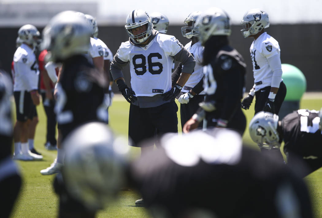 Oakland Raiders tight end Lee Smith (86) during day two of a mini-camp at the Raiders headquarters and training facility in Alameda, Calif. on Wednesday, June 14, 2017. Chase Stevens Las Vegas Rev ...