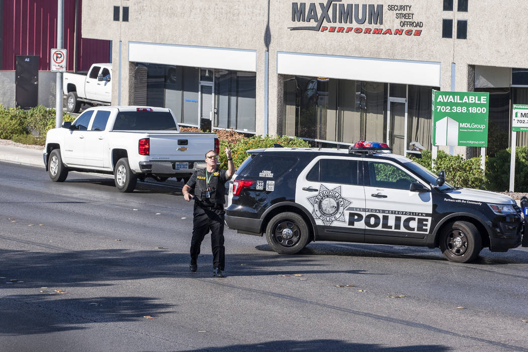 Man dead, officer injured after shooting in central Las Vegas | Las