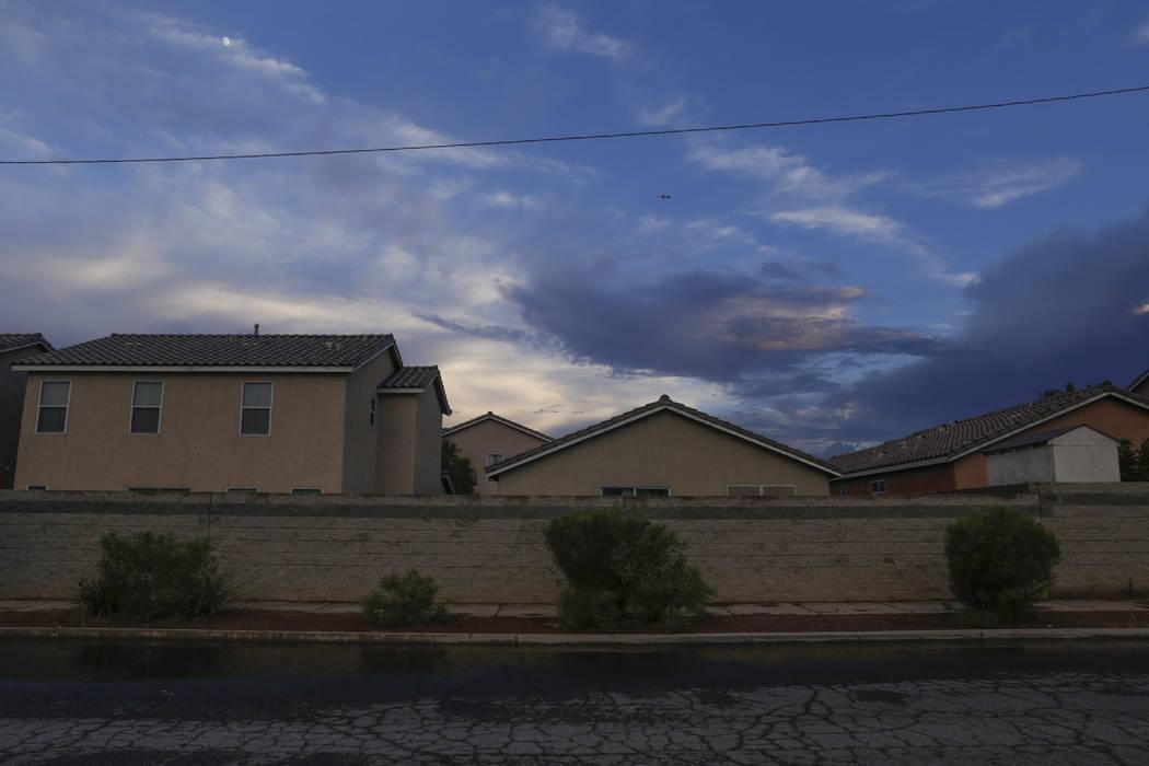 A storm rolls in over houses near Wetlands Park Lane near Clark County Wetlands Park in Las Vegas, Wednesday, Aug. 2, 2017. Gabriella Angotti-Jones Las Vegas Review-Journal @gabriellaangojo