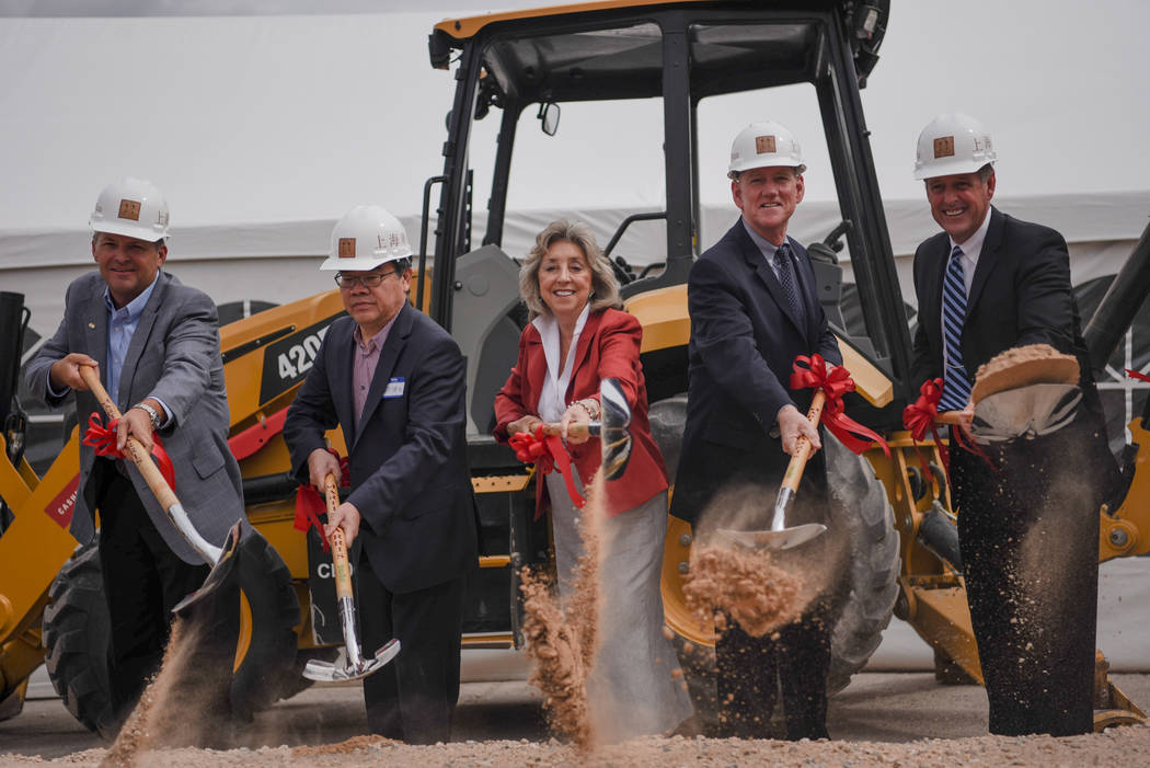 Members of Clark County City Council, Martin-Harris Construction, and the Shangai Plaza Board at the Shangai Plaza groundbreaking ceremony on Friday, August 4, 2017, in Chinatown in Las Vegas. Mor ...