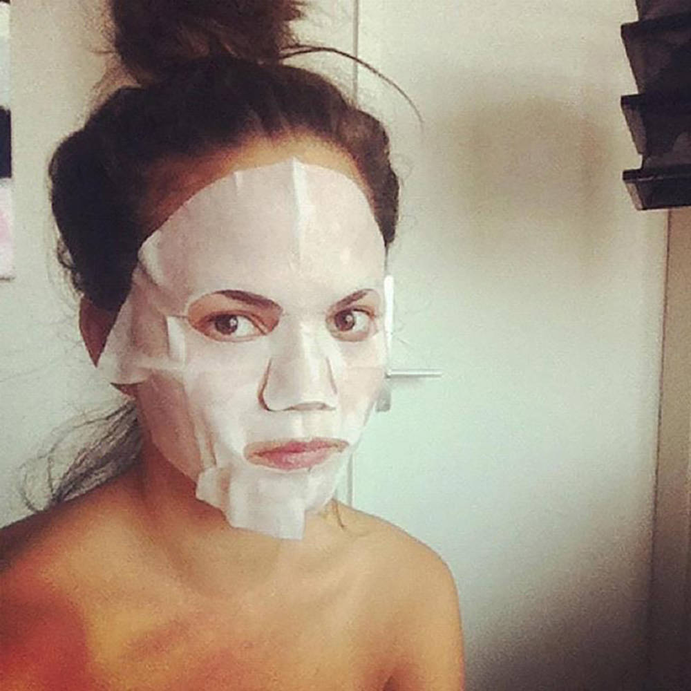 Chrissy Teigen sporting a DIY face mask via hellosunshine.com. (Courtesy)