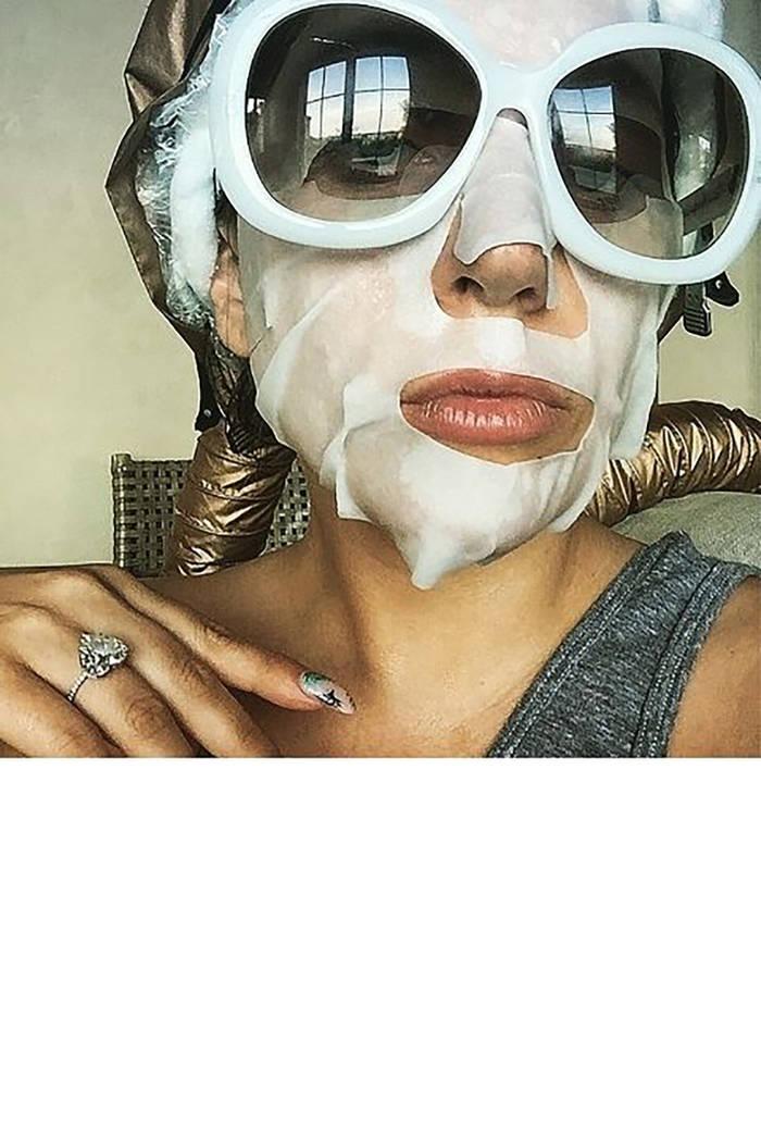 Lady Gaga sports a face mask on Instragram. (Lady Gaga Instagram)