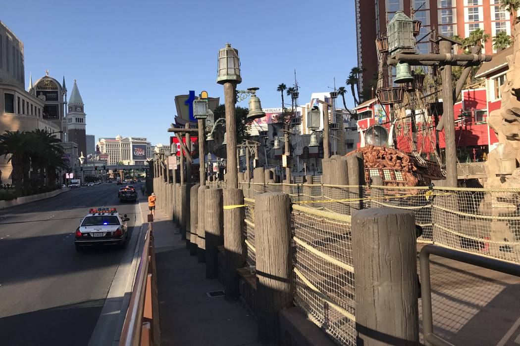 Metro police are investigating an incident near Treasure Island on the Las Vegas Strip on Wednesday morning, Aug. 9, 2017. (Elaine Wilson/Las Vegas Review-Journal)