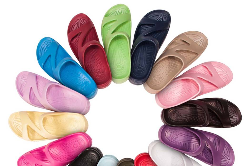These Z Sandals are at the heart of a lawsuit by Las Vegas Valley shoe seller USA Dawgs. Dawgs has accused clog maker Crocs of copying this shoe design without permission. (USA Dawgs)