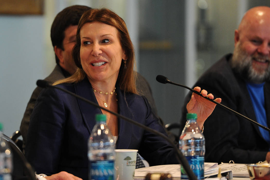 Kim Sinatra, the general counsel for Wynn Resorts Ltd., talks during a 2013 meeting. (Las Vegas Review-Journal)