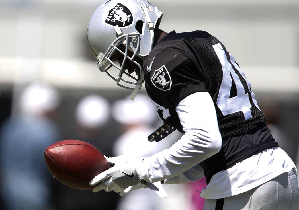 The Oakland Raiders cornerback Kenneth Durden catches a pass during teams practice at Raiders Napa Valley training complex in Napa, Calif., on Tuesday, Aug. 1, 2017. Bizuayehu Tesfaye Las Vegas Re ...