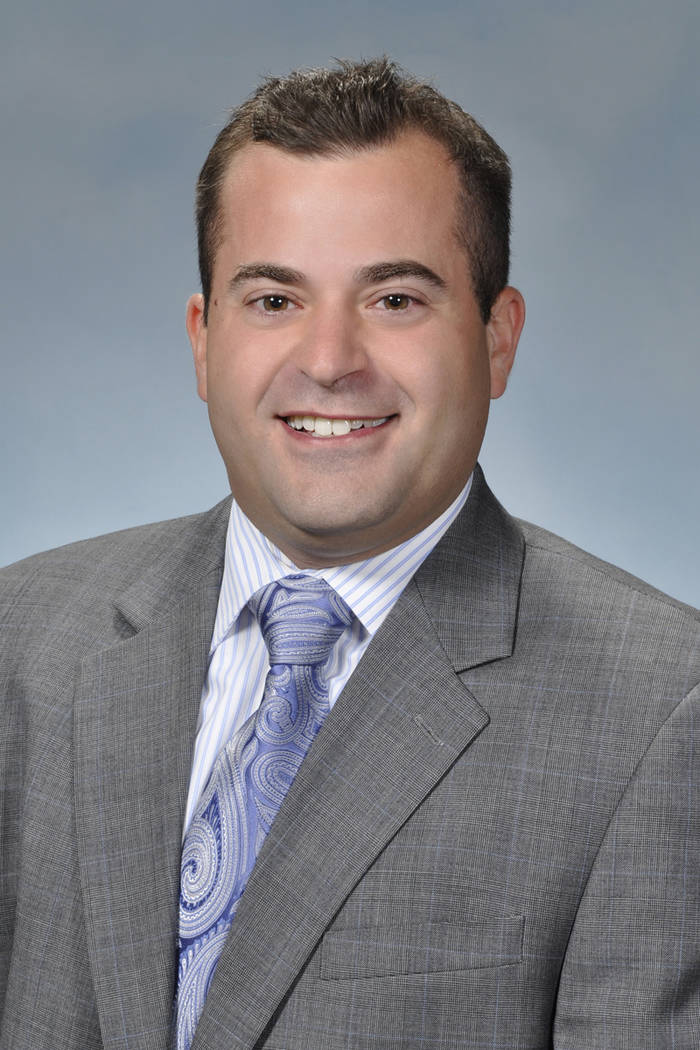 Dan D'Uva, who has been the radio voice of the American Hockey League's Syracuse Crunch since 2012, will be the play-by-play man for the Knights' radio broadcasts on Fox Sports Radio 1340 AM ...