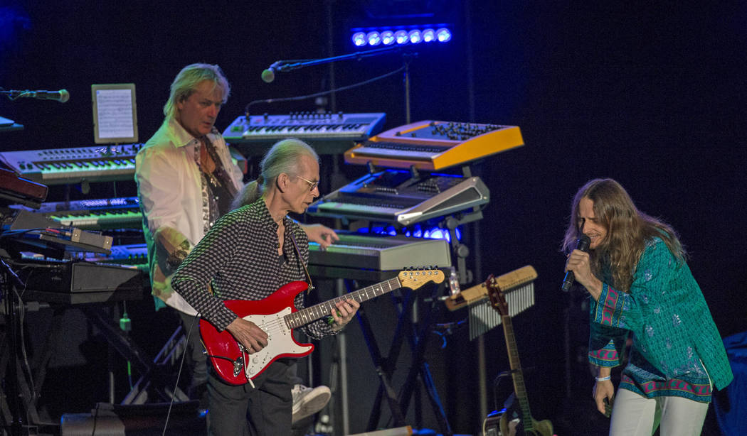 Lead vocalist Jon Davison (R), guitarist Steve Howe (C) and keyboardist Geoff Downes of rock band Yes perform at The Greek Theatre in Los Angeles, California September 6, 2015. REUTERS/Mario Anzuo ...