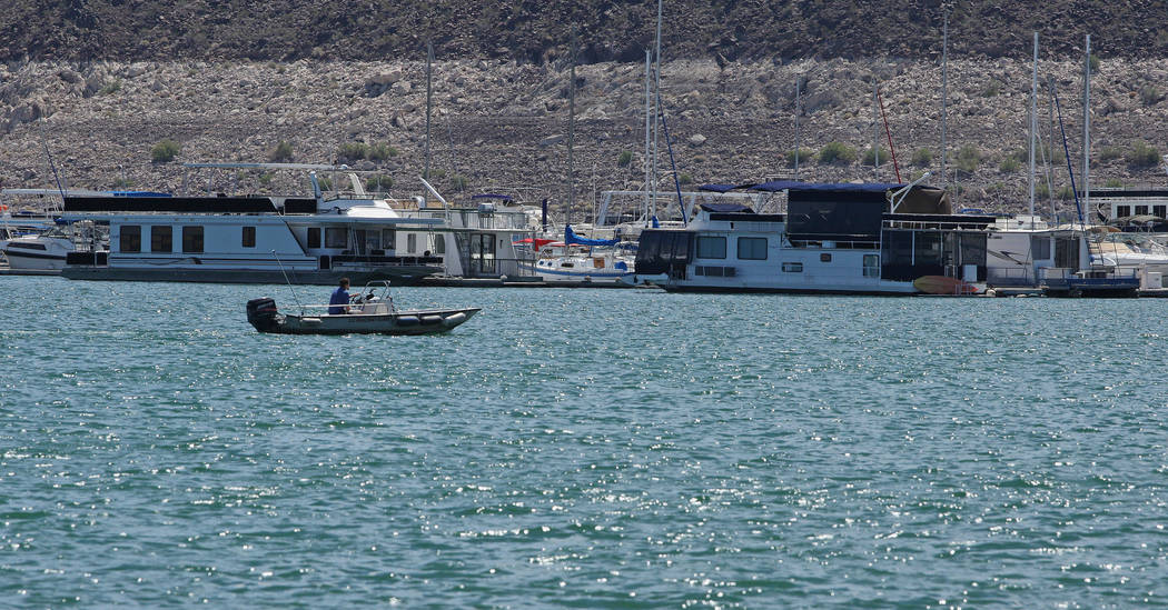 A boat pulls in to the loading area at Lake Mead National Recreational Area, Tuesday, Aug. 15, 2017. Gabriella Benavidez Las Vegas Review-Journal @latina_ish
