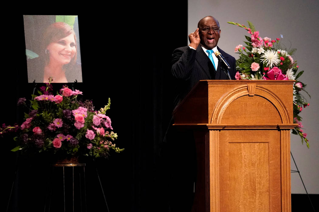 Rev. Alvin Edwards preaches during a memorial service for car attack victim Heather Heyer at the Paramount Theater in Charlottesville, Virginia, Aug. 16, 2017. (Jonathan Ernst/Reuters)