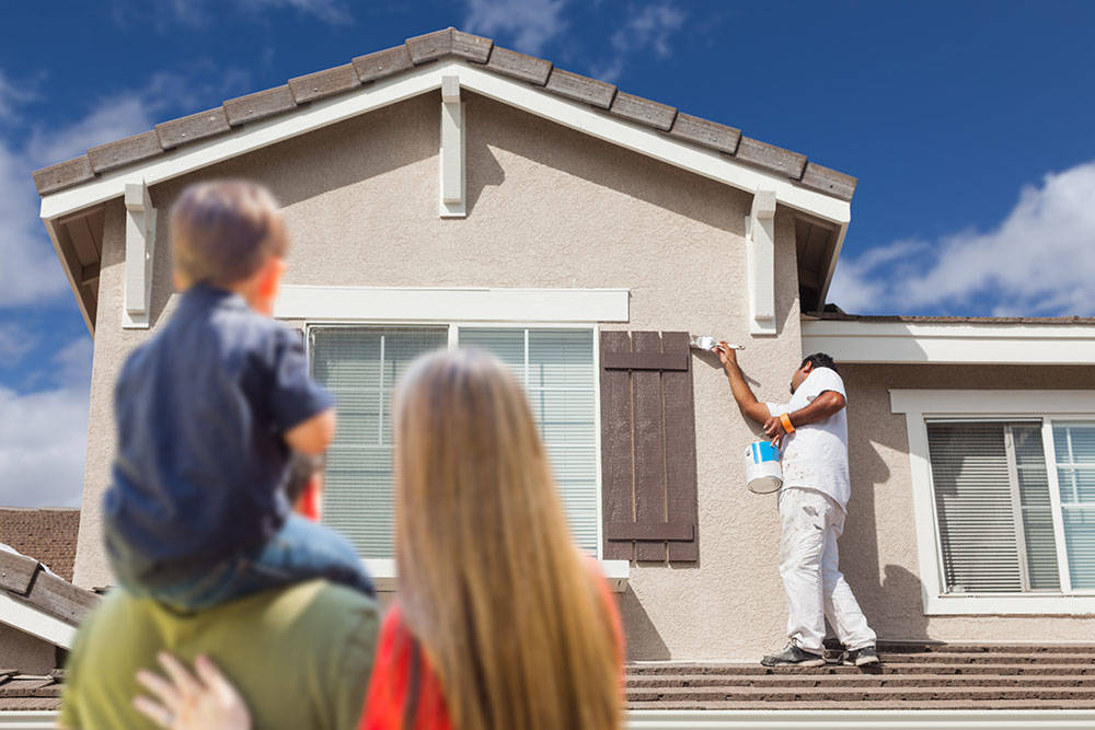 Homeowners associations want houses painted. (Thinkstock)