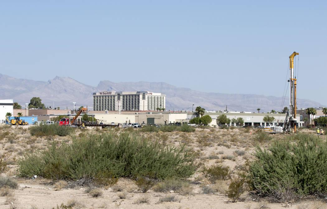Construction trucks inside the Raiders stadium site in Las Vegas near Hacienda Avenue and Dean Martin Drive on Tuesday, Aug. 15, 2017. Heidi Fang Las Vegas Review-Journal @HeidiFang