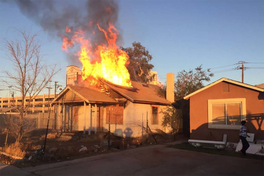 A vacant house at 310 N. 8th St. in downtown Las Vegas caught fire twice on Friday morning, Aug. 18, 2017. (Twitter/Las Vegas Fire Department)