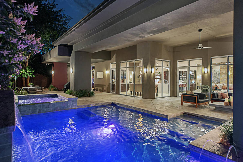 The pool at The Ridges home. (Luxury Homes of Las Vegas)