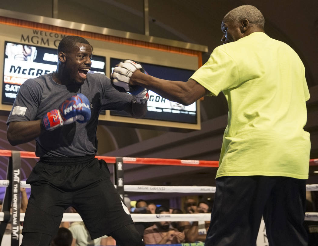 Undefeated cruiserweight Andrew Tabiti, left, warms up during open workouts on Wednesday, Aug 23, 2017, at the MGM Grand casino-hotel, in Las Vegas. Benjamin Hager Las Vegas Review-Journal @benjam ...