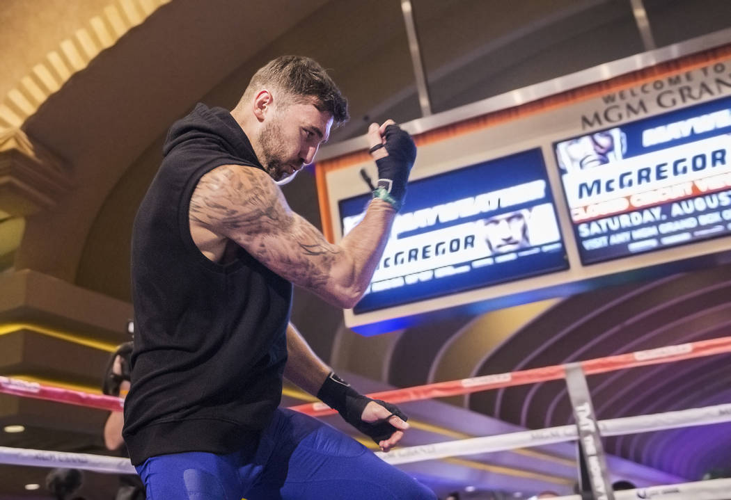 Light heavyweight boxer Nathan Cleverly warms up during open workouts on Wednesday, Aug 23, 2017, at the MGM Grand casino-hotel, in Las Vegas. Benjamin Hager Las Vegas Review-Journal @benjaminhphoto