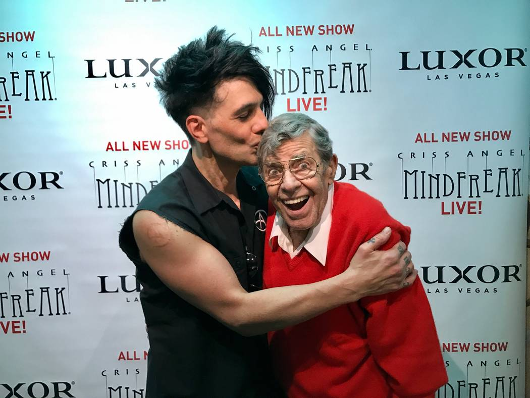 """Luxor headliner Criss Angel plants one on Jerry Lewis after a performance of """"Mindfreak Live"""" on Saturday, March 25 2017. (Courtesy)"""