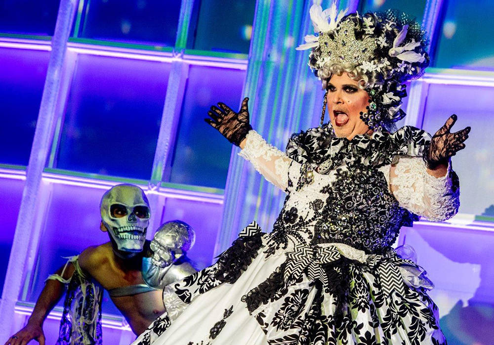 AFAN held its 31st annual Black & White Party at the Hard Rock Hotel to help raise funds for its services for those affected by AIDS/HIV. The theme this year was a New Orleans soiree. (Tom Don ...