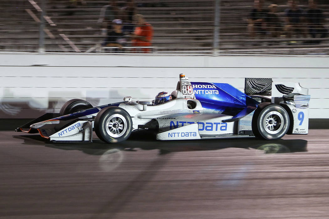Scott Dixon, of New Zealand, drives during the IndyCar auto race Saturday, Aug. 26, 2017 at Gateway Motorsports Park in Madison, Ill. (AP Photo/Scott Kane)