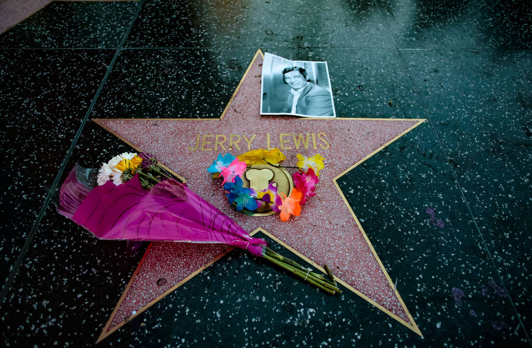 A makeshift memorial appears for late comedian, actor and entertainer Jerry Lewis around his star on the Hollywood Walk of Fame in Los Angeles, California, U.S. August 20, 2017.   REUTERS/Kyle Gri ...