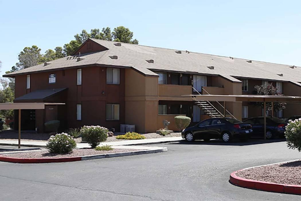 Cornerstone Crossings apartments, 6666 W. Washington Ave., near Rainbow Boulevard (Bizu Tesfaye/Las Vegas Review-Journal)